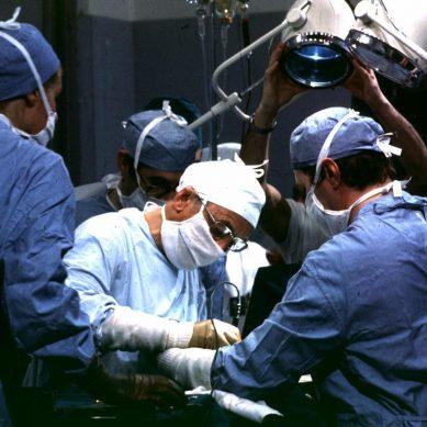 Chirurghi pieni di dolori articolari…
