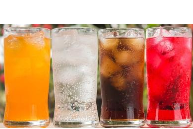 Bevande dolcificate aumentano rischio ictus e demenza