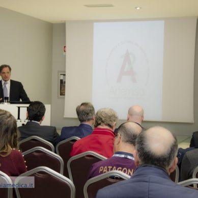 Sulla pagina FB di CATANIA MEDICA tutte le foto del I Congresso di Artemisia