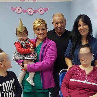Garibaldi, mamma ricoverata ma al compleanno della figlia ci pensa il personale dell'Ortopedia
