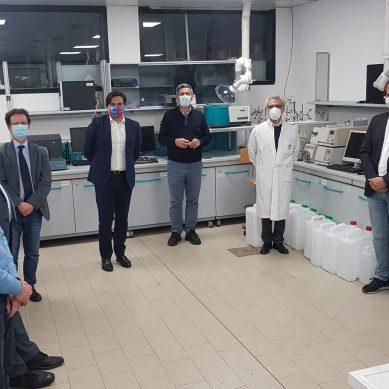 Visita di Pogliese e Priolo ai laboratori universitari che producono disinfettanti