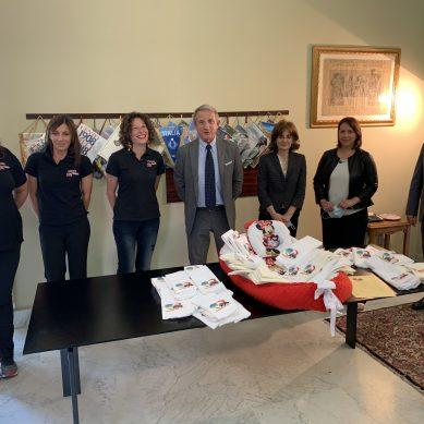 Garibaldi, donazione di lenzuolini alla Neonatologia