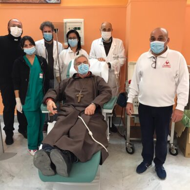 Il Vescovo di Caltagirone al Garibaldi per donare plasma anti Covid