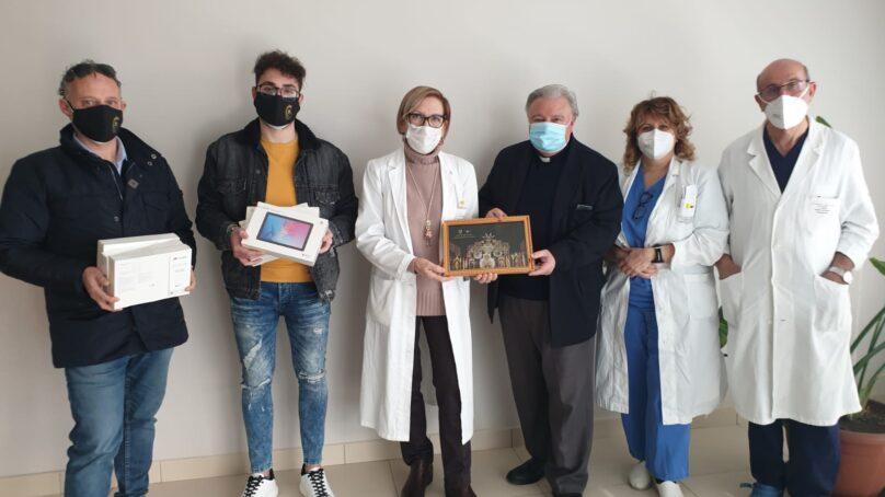 San Marco, donazione di tablet