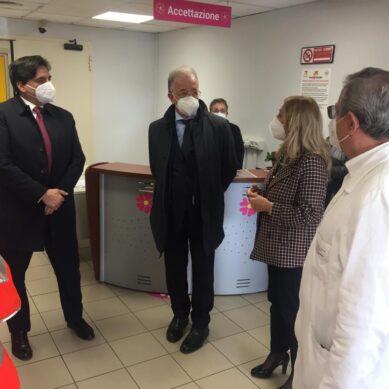 Il Sindaco Pogliese visita area vaccini COVID del Cannizzaro