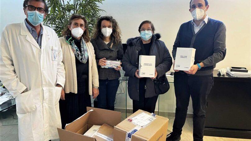 Corso di Laurea in Odontoiatria dona kit di igiene orale